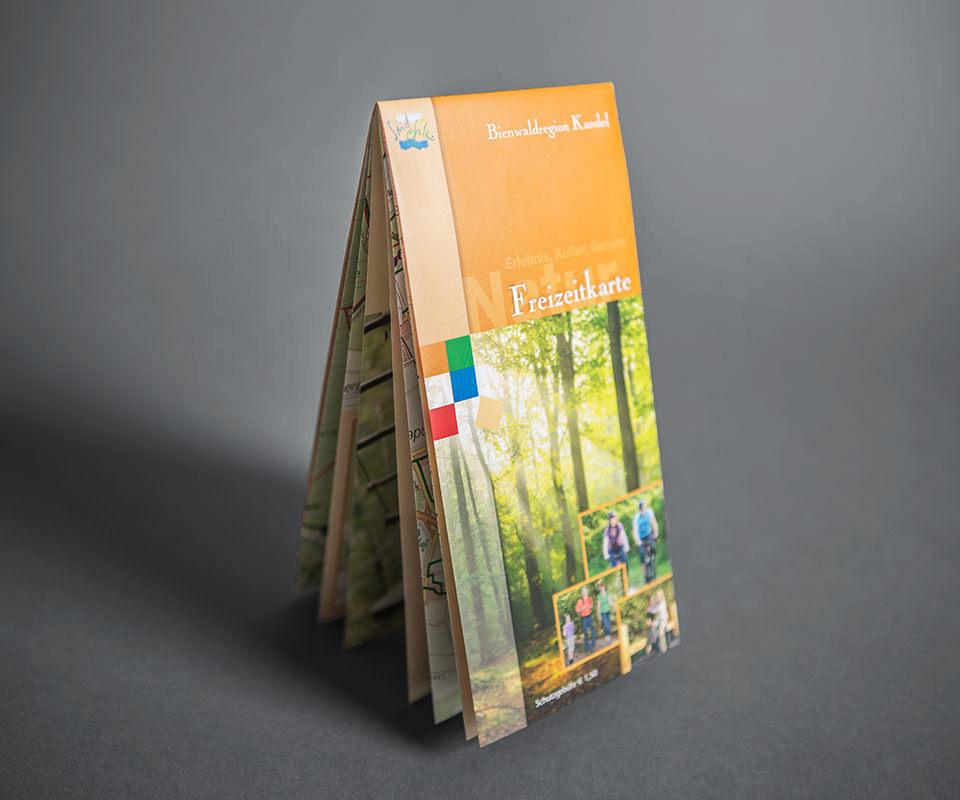 Sabath Media Werbeagentur - Südpfalz Tourismus – Wanderkarte - Referenzbild 2