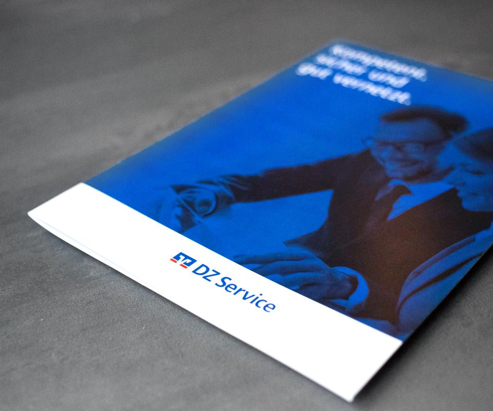 Sabath Media Werbeagentur - DZ-Service – Broschüre - Referenzbild 2