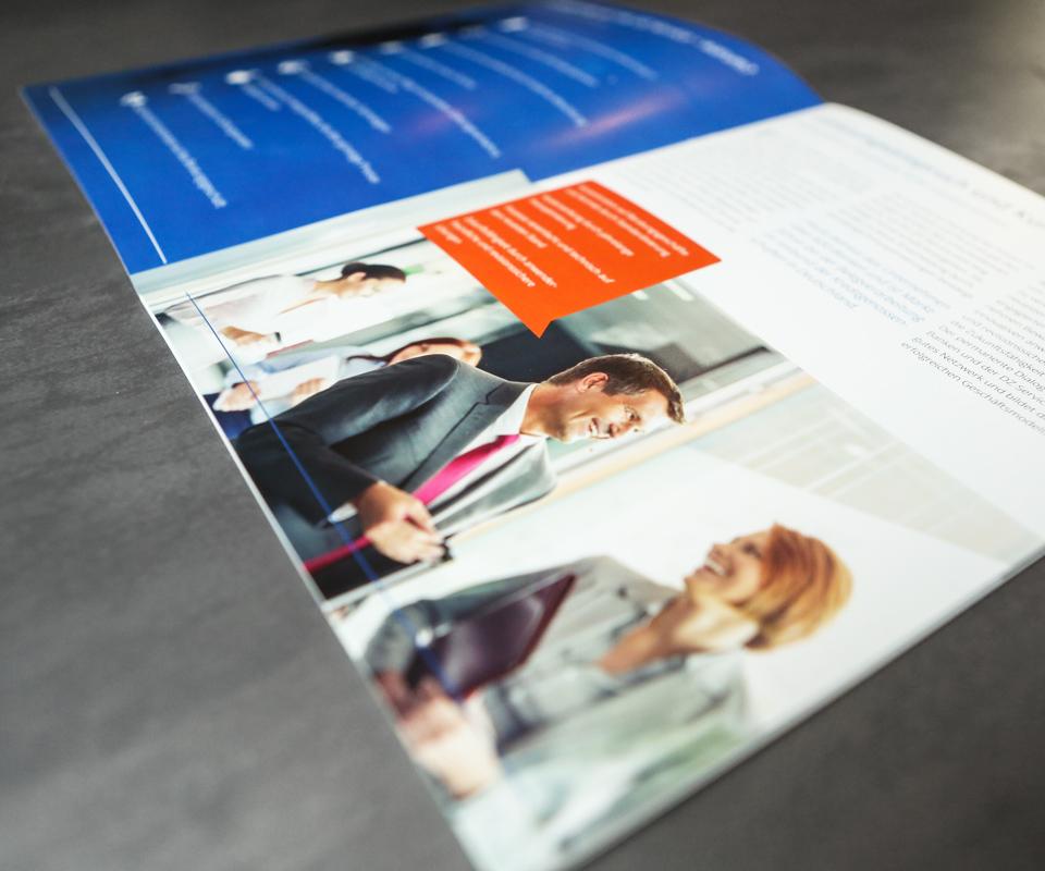 Sabath Media Werbeagentur - DZ-Service – Broschüre - Referenzbild 1