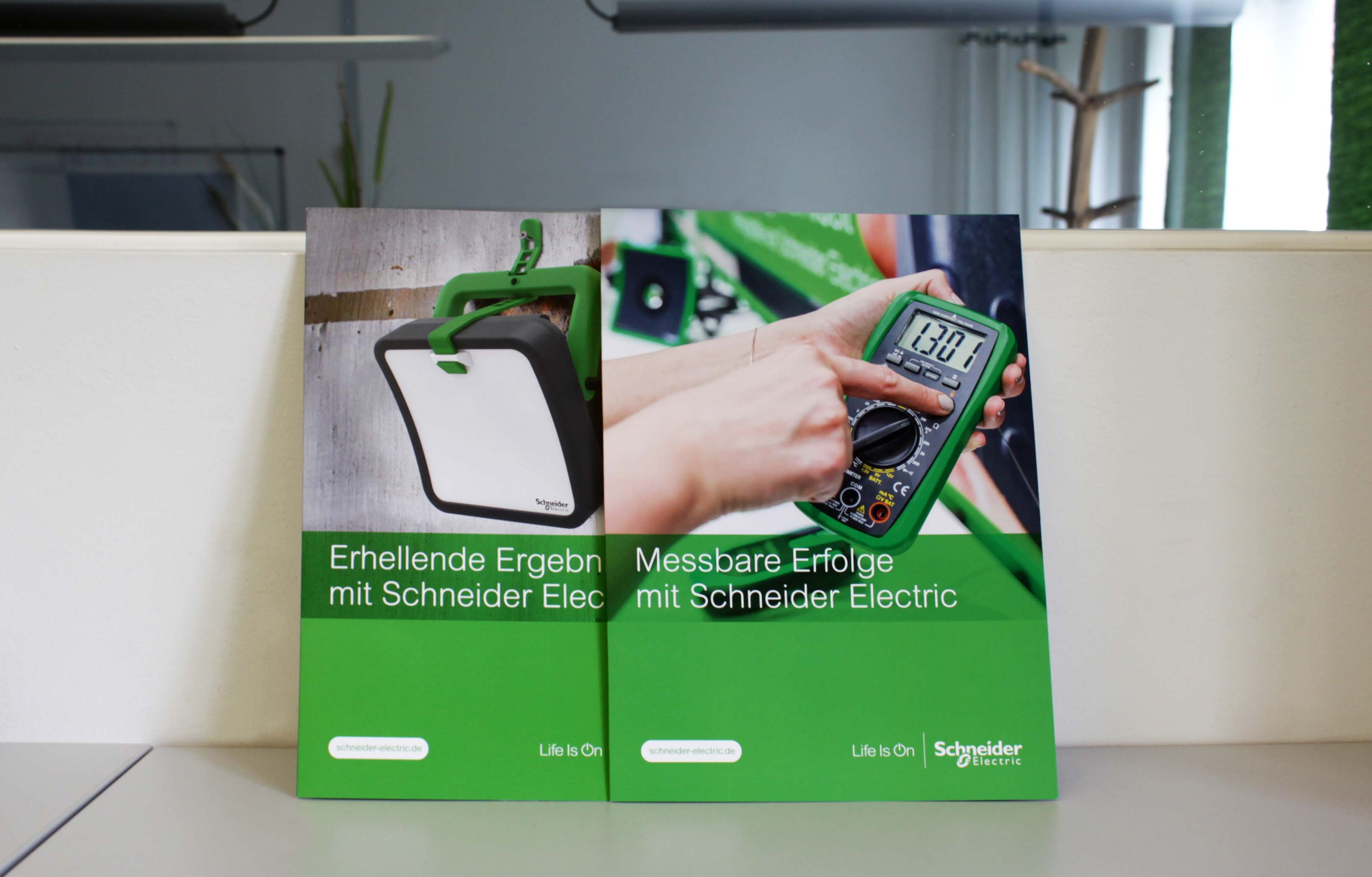 Sabath Media Werbeagentur - Schneider Electric – Salesfolder - Referenzbild 1